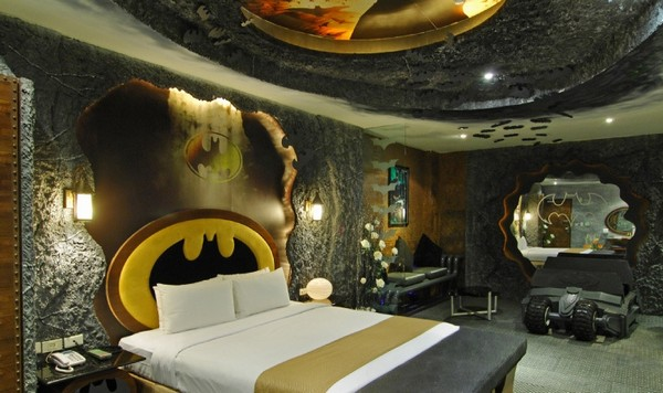 Batman-themed-room